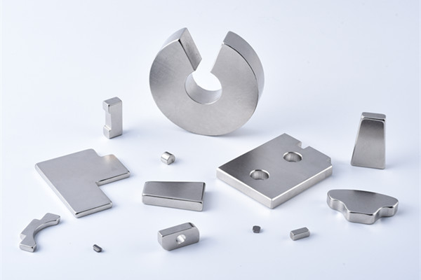 Irregular Magnet