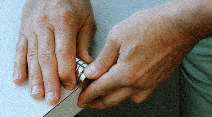 How to Separate Magnets Safely?